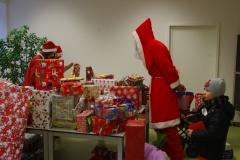 Wo ist das Geschenk? Nicht einfach bei so vielen!